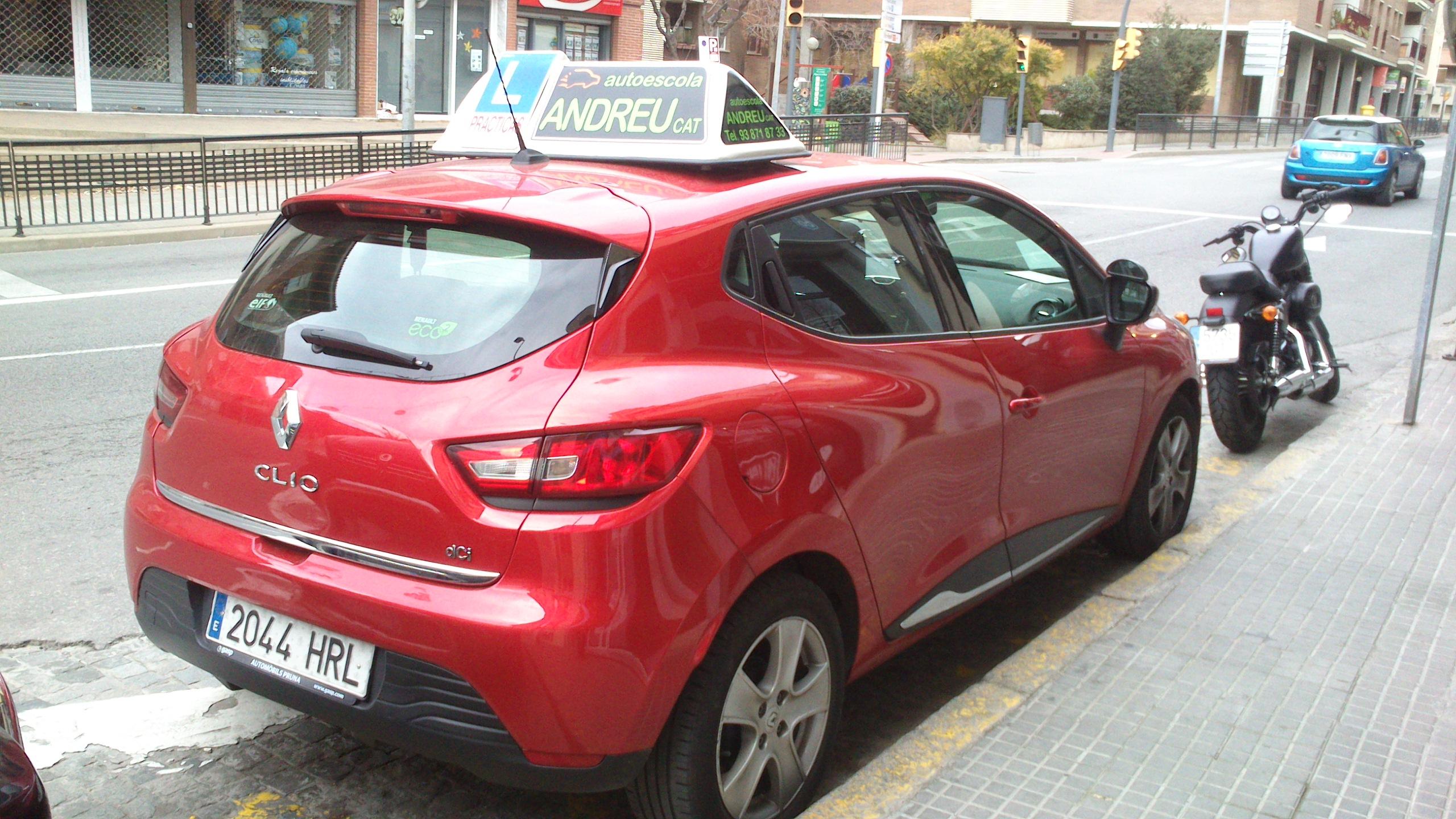 Renault Clio Vermell (2)